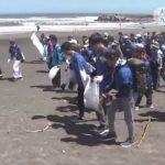 20180822大学生が九十九里浜を大清掃2